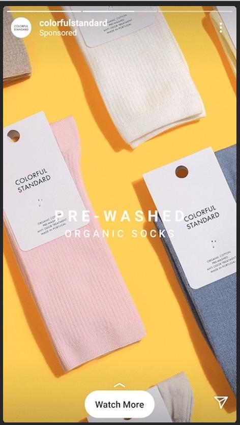 Предварительно выстиранные органические носки Colorful Standard ярко-желтый фон